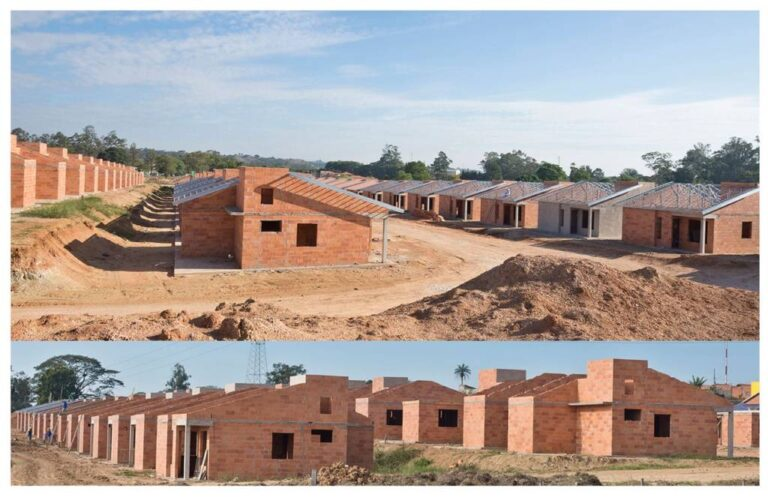 recorte com 2 ângulos diferentes de casas geminadas em contrução, ainda com blocos á vista